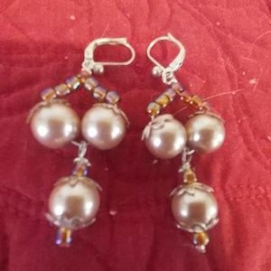 Jewelry - Earring pair